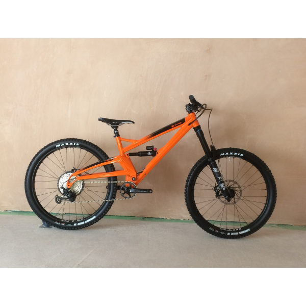 Orange Alpine 6 Pro test bike available in store